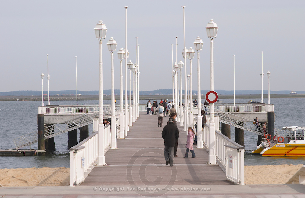 a pier arcachon bordeaux france