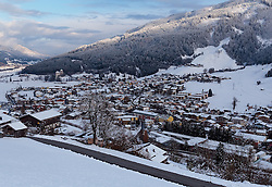 THEMENBILD - Blick auf die frisch verschneite Ortschaft bei Sonnenuntergang, aufgenommen am 08. November 2016, Kaprun, Österreich // View of the fresh snow-capped village in Kaprun, Austria on 2016/11/08. EXPA Pictures © 2016, PhotoCredit: EXPA/ JFK