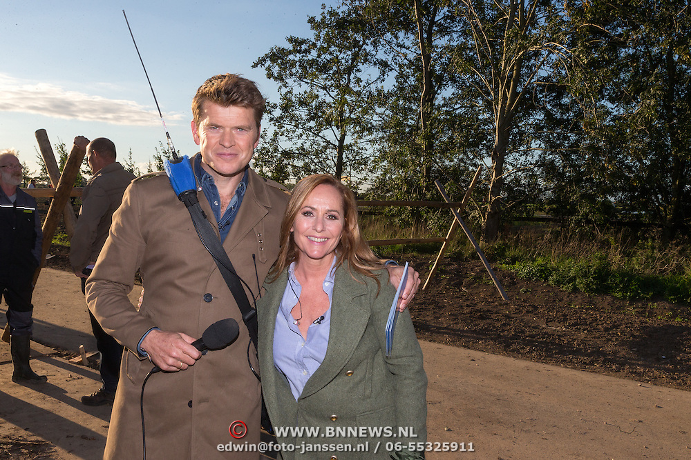 NLD/Haarzuilens/20150927 - Opname 'Open het Bos', Beau van Erven Dorens en Angela Groothuizen