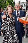 80e verjaardag van Prof. mr. Pieter van Vollenhoven in theater Figi in Zeist<br /> <br /> 80th birthday of Prof. dr. Pieter van Vollenhoven in the Figi theater in Zeist<br /> <br /> Op de foto / On the photo:  Prof. mr. Pieter van Vollenhoven arriveert met prinses Margriet