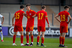 NEWPORT, WALES - Friday, September 3, 2021: Wales' Ben Hammond organises a defensive wall during an International Friendly Challenge match between Wales Under-18's and England Under-18's at Spytty Park. (Pic by David Rawcliffe/Propaganda)