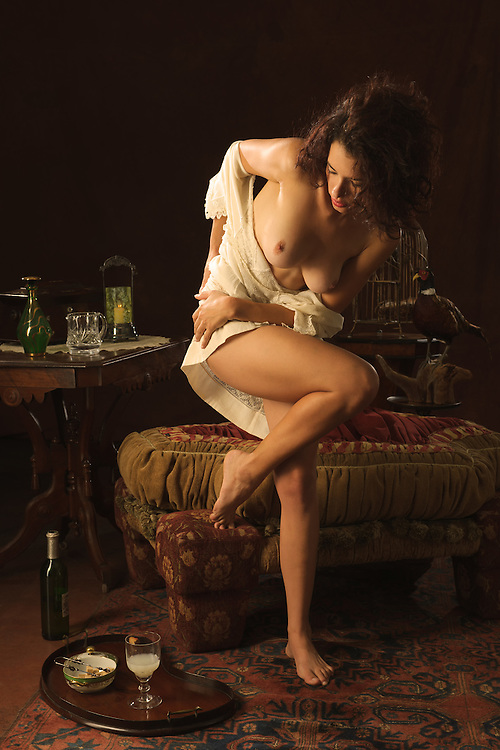La Muse Seduced. Turn of the century 1910)<br />  liberated and libertine woman starting to experiment the pleasures of absinthe and getting to know her own body for new sensations.