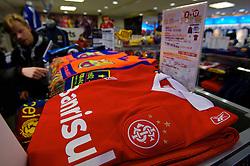 Camisa do INTER em uma loja de material esportivo em Tókio. FOTO: Jefferson Bernardes/Preview.com
