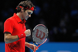 22.11.2010, Marriott Country Hall, London, ENG, ATP World Tour Finals, im Bild Federer, Roger (SUI), Celebrate, Jubel. EXPA Pictures © 2010, PhotoCredit: EXPA/ InsideFoto/ Semedia +++++ ATTENTION - FOR AUSTRIA/AUT, SLOVENIA/SLO, SERBIA/SRB an CROATIA/CRO CLIENT ONLY +++++