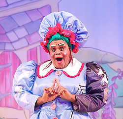 Mother Goose <br /> at the Hackney Empire, London, Great Britain <br /> press photocall<br /> 20th November 2014 <br /> <br /> Clive Rowe as Mother Goose <br /> <br />  <br /> <br /> <br /> Photograph by Elliott Franks <br /> Image licensed to Elliott Franks Photography Services