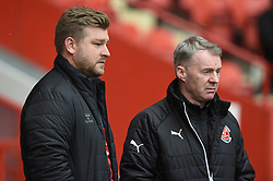 Charlton Athletic manager Karl Robinson (left) with Fleetwood Town manager John Sheridan