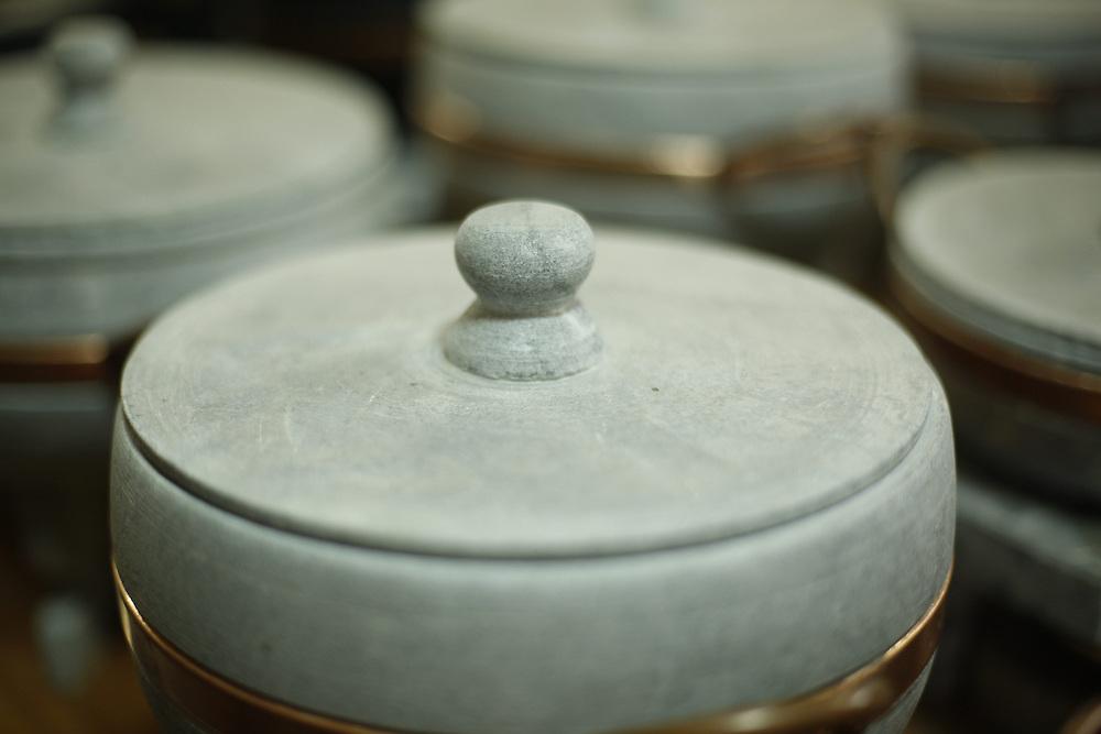 Ouro Preto_MG, Brasil.<br /> <br /> Trabalhos em pedra sabao em Ouro Preto, Minas Gerais.<br /> <br /> Craft in soap stone in Ouro Preto, Minas Gerais.<br /> <br /> Foto: LEO DRUMOND / NITRO