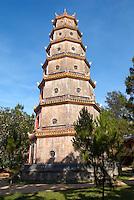 Vietnam. Hué. Pagode Thien Mu. // Vietnam. Hué. Thien Mu Pagoda.