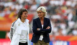 05.07.2011, Borussia-Park, Moenchengladbach, GER, FIFA Women Worldcup 2011, Gruppe A,  Frankreich (FRA) Deutschland (GER) ,. im Bild Co-Trainerin Ulrike Ballweg und Trainerinj Silvia Neid (GER) . // during the FIFA Women´s Worldcup 2011, Pool A,France vs Germany on 2011/06/26, Borussia-Park, Moenchengladbach, Germany. EXPA Pictures © 2011, PhotoCredit: EXPA/ nph/  Karina Hessland       ****** out of GER / CRO  / BEL ******