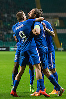 UEFA Europa League 2015: Celtic - Molde. Moldes Daniel Berg Hestad (midten) gratuleres med 1-2 i Europa League kampen mellom Celtic og Molde på Celtic Park.