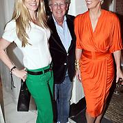 NLD/Naarden/20080401 - Het Arsenaal van jan des Bouvrie bestaat 15 jaar, Danielle Overgaag met Jan en Monique des Bouvrie