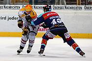 08.Maerz 2012; Rapperswil-Jona; Eishockey NLA - Rapperswil-Jona Lakers - Geneve-Servette HC;<br />  Rico Fata (L, GENF) und Derrick Walser (R, LAK) (Thomas Oswald)