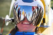 Liz McTernan. In Battle Mountain (Nevada) wordt ieder jaar de World Human Powered Speed Challenge gehouden. Tijdens deze wedstrijd wordt geprobeerd zo hard mogelijk te fietsen op pure menskracht. Ze halen snelheden tot 133 km/h. De deelnemers bestaan zowel uit teams van universiteiten als uit hobbyisten. Met de gestroomlijnde fietsen willen ze laten zien wat mogelijk is met menskracht. De speciale ligfietsen kunnen gezien worden als de Formule 1 van het fietsen. De kennis die wordt opgedaan wordt ook gebruikt om duurzaam vervoer verder te ontwikkelen.<br /> <br /> In Battle Mountain (Nevada) each year the World Human Powered Speed Challenge is held. During this race they try to ride on pure manpower as hard as possible. Speeds up to 133 km/h are reached. The participants consist of both teams from universities and from hobbyists. With the sleek bikes they want to show what is possible with human power. The special recumbent bicycles can be seen as the Formula 1 of the bicycle. The knowledge gained is also used to develop sustainable transport.