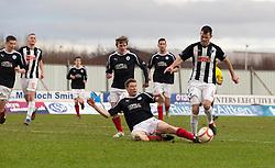 Falkirk's Darren Dods and Dunfermline's Andy Dowie. Falkirk 1 v 0 Dunfermline, 16/2/2013..©Michael Schofield.