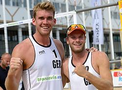 16-07-2014 NED: FIVB Grand Slam Beach Volleybal, Apeldoorn<br /> Poule fase groep A mannen - Alexander Walkenhorst (1), Stefan Windscheif (2) GER