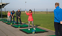 TEXEL - De Cocksdorp.  - Golfclinnic onder leiding van de pro Golfbaan De Texelse. COPYRIGHT KOEN SUYK