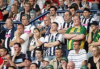 Photo: Paul Thomas. West Bromwich Albion v Portsmouth, The Hawthorns, Birmingham, Barclays Premiership, 15/05/2005. It was a nervous wait for the fans of West bromwich.