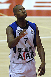 16-09-2006 BASKETBAL: NEDERLAND - ALBANIE: NIJMEGEN<br /> De basketballers hebben ook hun vierde wedstrijd in de kwalificatiereeks voor het Europees kampioenschap in winst omgezet. In Nijmegen werd een ruime overwinning geboekt op Albanie: 94-55 / Sydmill harris<br /> ©2006-WWW.FOTOHOOGENDOORN.NL
