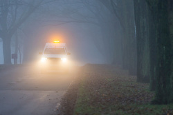 © Licensed to London News Pictures. 27/11/2018. Leeds UK. Drivers faced a treacherous commute this morning in thick fog at Temple Newsam park in Leeds this today as the Met office issue a Yellow warning of wind in Yorkshire in the coming days. Photo credit: Andrew McCaren/LNP