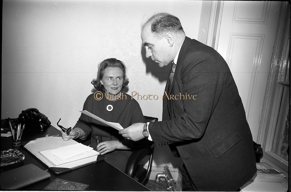 04/03/1964<br /> 03/04/1964<br /> 04 March 1964<br /> Smith Kline and French Laboratories personnel at Smith Kline and French Laboratories Ltd, Ashgrove, Dun Laoghaire Co. Dublin. Picture shows Miss Collins and Mr. K. Quinn.