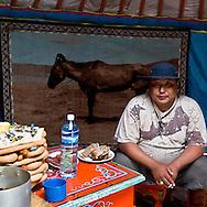 Mongolia. inside a yurt of an horses breeders in Hundlun Bulag ,  .  near  Ulanbaatar -  / eleveur de chevaux, interieur de yourte dans la steppe, a Hundlun Bulag  pres de  Oulan Bator - Mongolie / L0009353C