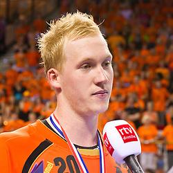 02-06-2011 HANDBAL: BEKERFINALE HURRY UP - O EN E: ALMERE<br /> Jort Neuteboom tijdens een interview na de wedstrijd<br /> ©2011-FotoHoogendoorn.nl / Peter Schalk
