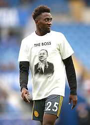 Leicester City's Onyinye Ndidi warms up in a t shirt in tribute to Vichai Srivaddhanaprabha