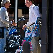 NLD/Laren/20100417 - Ex VEB voorzitter Peter Paul de Vries verlaat de makelaar ivm met een huurconflict met zijn huisbaas