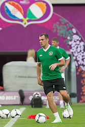 09.06.2012, Stadion Miejski, Poznan, POL, UEFA EURO 2012, Tschechische Republik, Training, im Bild DARRON GIBSON during the during EURO 2012 Trainingssession of Ireland Nationalteam, at the stadium Miejski, Poznan, Poland on 2012/06/09