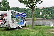 Duitsland, Koblenz, 17-5-2019  Langs de Rijn ligt een stadscamping vlakbij de monding van de moezel . Het is een Duits nationaal symbool voor de duitsers . Foto: ANP/ Hollandse Hoogte/ Flip Franssen