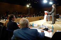 19 MAY 2005, BERLIN/GERMANY:<br /> Franz Muentefering, SPD Parteivorsitzender, haelt eine Rede, zur Eroeffnung des 4. Programmforums der SPD zur Fortschreibung des SPD  Grundsatzprogramms, Willy-Brandt-Haus<br /> IMAGE: 20050519-01-007<br /> KEYWORDS: Franz Müntefering, speech, Übersicht, Uebersicht