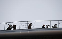 June 16, 2017 - Policias russos sao vistos com armas sobre a estrutura do teto do estadio Krestovsky que sera palco de abertura e encerramento da para Copa das Confederacoes Russia 2017 realizada em Sao Petersburgo, Moscou, Kazan e Sochi. (Credit Image: © Marcelo Machado De Melo/Fotoarena via ZUMA Press)