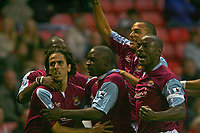 Photo: Andrew Unwin.<br /> Sunderland v West Ham United. The Barclays Premiership.<br /> 01/10/2005.<br /> West Ham celebrate Yossi Benayoun's (L) equaliser.