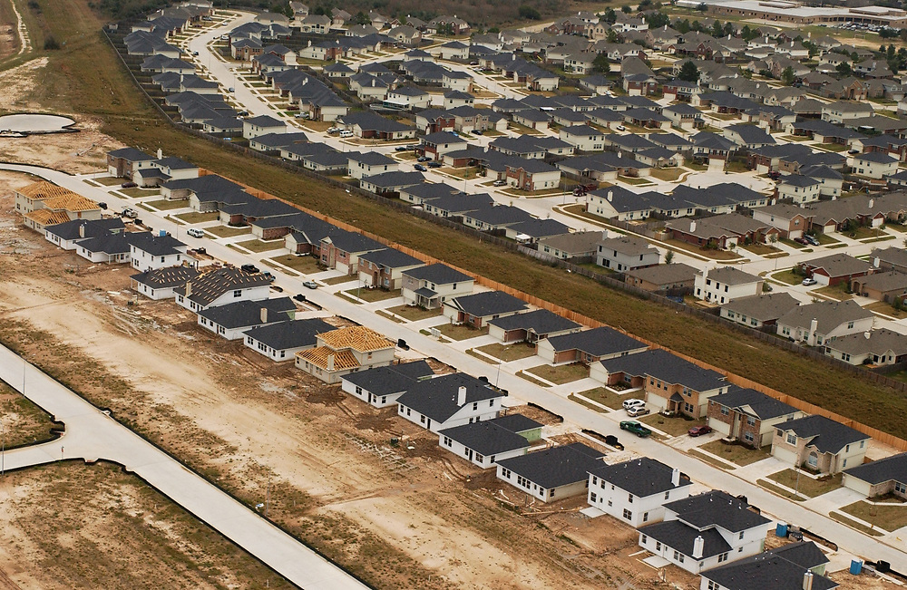 Houston, TX 11FEB05: aerials of new subdivisions in west Houston off of the Katy Freeway about 15 miles west of downtown. <br /> ©Bob Daemmrich/