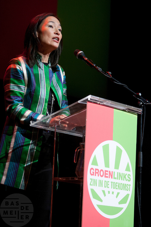 Mariko Peters spreekt tijdens het congres om de missie van Kunduz niet af te breken. In Utrecht vindt het 30e partijcongres plaats van GroenLinks. Een van de heikele punten is de missie naar Kunduz. Ook wordt een nieuwe partijvoorzitter gekozen.<br /> <br /> Mariko Peters is speeching at the convention in favor of the mission to Kunduz. The Dutch party GroenLinks (Green party) holds its 30th convention in Utrecht. One of the big issues is the mission to Kunduz. They will also elect the new chairman of the party.