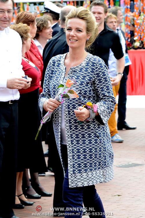 Koningsdag 2014 in Amstelveen, het vieren van de verjaardag van de koning. / Kingsday 2014 in Amstelveen, celebrating the birthday of the King. <br /> <br /> <br /> Op de foto / On the photo:  Prinses Annette /  Princess Annette