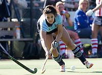 LAREN - Macey de Ruiter  van Laren tijdens de hoofdklasse competitiewedstrijd  hockey tussen de vrouwen van Laren en HDM. COPYRIGHT KOEN SUYK