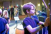Koningin Maxima opent vernieuwde Musis 'huis voor muziek'