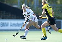 AMSTELVEEN - Amsterdam speelster  Kiki Collot d'Escury tijdens de hoofdklasse hockeywedstrijd tussen de vrouwen van Amsterdam en Terriers (4-0). COPYRIGHT KOEN SUYK