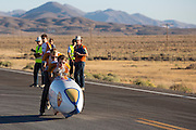 Kai en Gaspard starten de VeloX2 op de derde racedag van het WHPSC. In de buurt van Battle Mountain, Nevada, strijden van 10 tot en met 15 september 2012 verschillende teams om het wereldrecord fietsen tijdens de World Human Powered Speed Challenge. Het huidige record is 133 km/h.<br /> <br /> Kai and Gaspard starting the VeloX2 at the third record day of the WHPSC. Near Battle Mountain, Nevada, several teams are trying to set a new world record cycling at the World Human Powered Speed Challenge from Sept. 10th till Sept. 15th. The current record is 133 km/h.