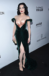 October 13, 2017 Beverly Hills, CA Sophia Bush amfAR Gala Los Angeles honors Julia Roberts at their eighth annual benefit for AIDS research held at Green Acres Estate. 13 Oct 2017 Pictured: Dita von Teese. Photo credit: O'Connor/AFF-USA.com / MEGA TheMegaAgency.com +1 888 505 6342