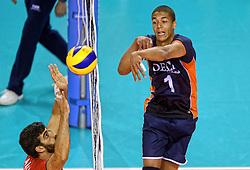 07-06-2014 NED: WLV Nederland - Portugal, Almere<br /> Een moeizame overwinning op Portugal levert Nederland twee punten op / Nimir Abdelaziz, Marco Ferreira