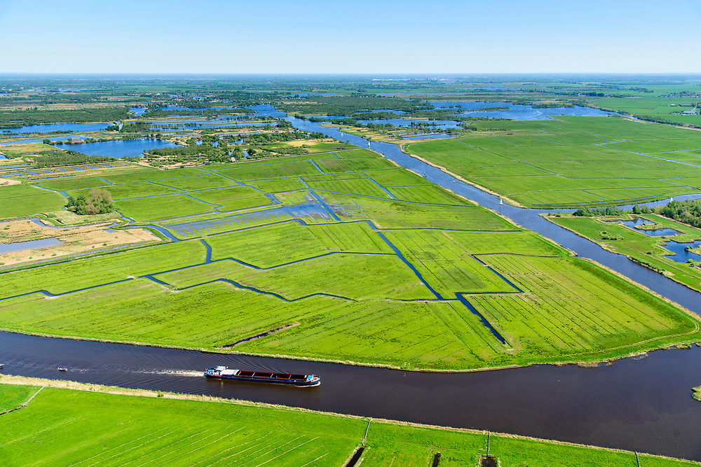 Nederland, Friesland, Gemeente Leeuwarden, 07-05-2018; Prinses Margrietkanaal ter hoogte van Grouw, zicht op Nationaal Park Alde Faenen, De Oude Venen.<br /> National Park Alde Faenen.<br /> luchtfoto (toeslag op standard tarieven);<br /> aerial photo (additional fee required);<br /> copyright foto/photo Siebe Swart
