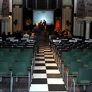 NLD/Amsterdam/20081107 - Boekpresentatie Patty Harpenau, lege zaal bij de perspresentatie