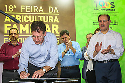 Abertura oficial do Pavilhão da Agricultura Familiar durante a 39º Expointer -  Exposição Internacional de Animais, Máquinas, Implementos e Produtos Agropecuários. A maior feira a céu aberto da América Latina,  promovida pela Secretaria de Agricultura e Pecuária do Governo do Rio Grande do Sul, ocorre no Parque de Exposições Assis Brasil, entre 27 de agosto e 04 de setembro de 2016 e reúne as últimas novidades da tecnologia agropecuária e agroindustrial. FOTO: Alessandra Bruny/ Agência Preview