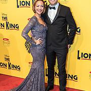 NLD/Scheveningen/20161030 - Premiere musical The Lion King, Sonja Silva en partner Pycke Pos