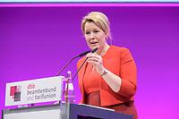 06 JAN 2020, KOELN/GERMANY:<br /> Franziska Giffey, SPD, Bundesfamilienministerin, haelt eine Rede, dbb Jahrestagung, Koeln Messe<br /> IMAGE: 20200106-01-254
