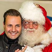 NLD/Amsterdam/20161207 - 8e Sky Radio's Christmas Tree For Charity, Fred van Leer en de kerstman