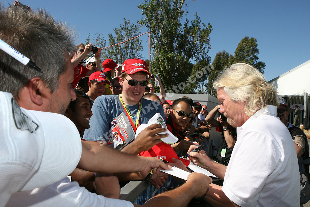 Richard Branson (Virgin / Brawn) signs autographs before the 2009 Australian Grand Prix in Albert Park, Melbourne. Photoi: Grand Prix Photo