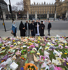 2017-03-29 Imams from across the UK pray for terror victims in Parliament Square, London